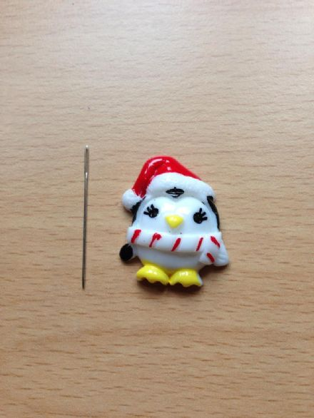 Christmas Penguin Needle Minder